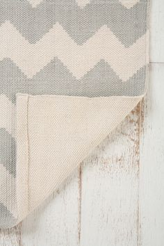 urban outfitters Zigzag Rug 8x10 $199