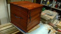 Reproduction box for a reenactor. I love dovetail work :-)