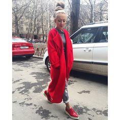 Как возможно сшить идеальное пальто за 1800 км друг от друга?! Только если это моя @kat_tushedoll ❤️ настроение красное-прекрасное!