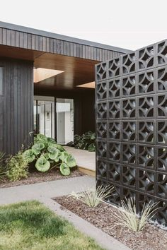 Extraordinary Breeze Block Ideas For Beautiful Home Style 170 – DECOOR cinder block wall House Styles, House Design, Privacy Fence Designs, Breeze Block Wall, Breeze Blocks, Fence Design, Exterior Design, Mid Century Modern House, House Exterior