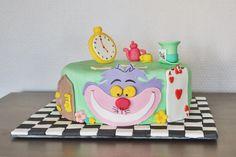 Concours gâteau d'anniversaire - Alice au Pays des Merveilles   Cultura
