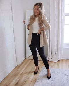 Business Outfit Frau, Business Casual Outfits For Work, Business Professional Outfits, Business Outfits Women, Outfits Casual, Mode Outfits, Fashion Outfits, Business Casual Jeans, Business Clothes For Women