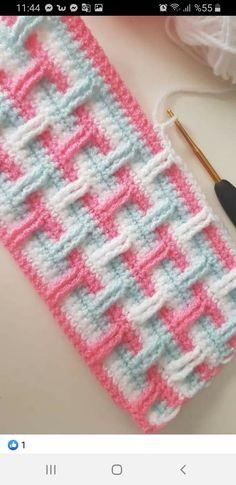 Free Mandala Crochet Patterns, Crochet Stitches Free, Crochet Socks Pattern, Crotchet Patterns, Crochet Circles, Crochet Motifs, Baby Afghan Crochet Patterns, Crochet Quilt, Stitch Patterns