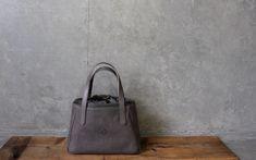 CLEDRAN(クレドラン)NUA(ヌア)トートバッグ/ハンドバッグ CL2823【日本製】 Leather Craft, Crafts, Leather Crafts, Manualidades, Handmade Crafts, Craft, Crafting