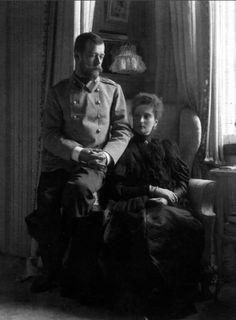 Tsar Zarskoe, 1899, May, Alexandra pregnant with Maria.