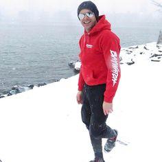 Post by Zac Efron - Protecting the bay North of the wall- cuz Gosta - 1466638 Comentários - 5864 Jack Johnson, Dwayne Johnson, Rain Jacket, Bomber Jacket, Michael B Jordan, Baywatch, Winter Is Here, High School Musical, Zac Efron