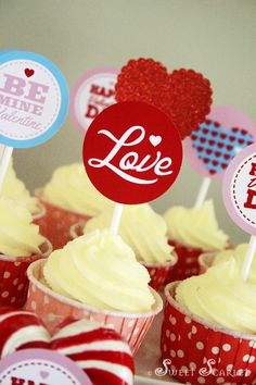 Valentine's Printable Cupcake Toppers #love #valentines