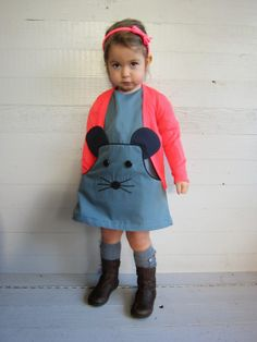 Nothing is cuter than a mouse jumper dress!    A MOUSE DRESS (Basic pattern is LOUISA-dress of Company M ) deborasluijs.blogspot.be