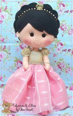 Felt Patterns, Stuffed Toys Patterns, Felt Crafts Dolls, Felt Fabric, Felt Toys, Soft Dolls, Felt Ornaments, Felt Art, Doll Clothes Patterns