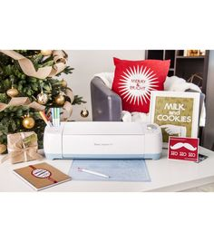 Deck the halls with the help of Cricut! | Christmas and holiday Cricut accessories | Cricut® Explore Air™ Holiday Bundle