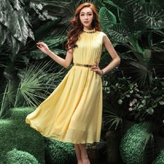 Exquisite Stand Collar Sleeveless Rhinestone Chiffon Knee Length Dresses(Without Belt)