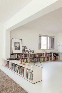 home library Kluge Raumteiler-Einrichtungsideen fr Studio Apartments Home Interior, Interior Architecture, Interior Design, Apartment Interior, Interior Ideas, Interior Inspiration, Low Bookshelves, Low Shelves, Short Bookshelf