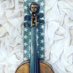 """Czy Twój tydzień już dobiega końca? Mój dopiero się rozkręca!  A już w niedzielę na @tvp_kultura będzie można podziwiać operę """"Krakowiacy i Górale"""" w której oczywiście gra Pan Głowa  __________________    Tap  if you like my music world!    Tag a friend  who loves music too!    Follow me to see more of my music life!    Feel free to contact me if you have any question about violin! ___________________ #violin   #violino   #violinist   #violinlife   #violingirl   #skrzypaczka   #skrzypce…"""