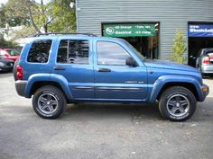 Navy Blue Jeep Liberty <3 I need something that can go off road for