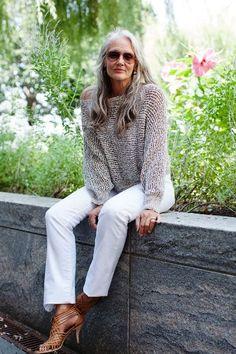 Veja alguns exemplos da moda charmosa e descontraídadasmulheres 50+. Aqui o que conta é criatividade, o menos é mais eo bom gosto na hora de escolher tecidos, modeloseacessórios é fundamental!     …