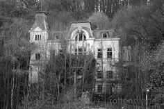 rottenplaces - Villa Schöning oder Altenheim Schönblick  Today without roof, caused by fire. #Vlotho #Villa # ruins