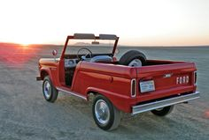Rare open Ford Bronco in the sand with the sunset. Wonder how this might fare in NHTSA crash tests :)
