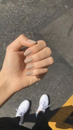 Simple Acrylic Nails, Square Acrylic Nails, Best Acrylic Nails, Acrylic Nail Designs, Simple Nails, Squoval Acrylic Nails, Gradient Nails, Beige Nails, Neutral Nails