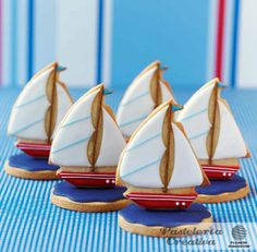 Brilliant Boys Birthday Sail Boat Cookies by Zoe Clark Cakes Iced Cookies, Cute Cookies, Royal Icing Cookies, Cupcake Cookies, Galletas Cookies, Sailboat Cookies, Sailboat Cake, Cupcake Wedding Favors, Biscuit Wedding Favours