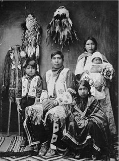 Ben Wilson and his family - Ute - 1936 Native American Pictures, Native American Beauty, Native American Tribes, Native American History, American Symbols, Native American Spirituality, Eskimo, Ben Wilson, Native Indian