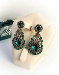 Emerald and nickel Beaded Tassel Earrings, Beaded Rings, Beaded Bracelets, Seed Bead Jewelry, Seed Bead Earrings, Ring Earrings, Earring Tutorial, Diy Tutorial, Beaded Jewelry Patterns
