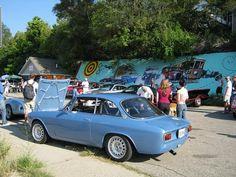Alfa Romeo Gta, Alfa Romeo Giulia, Alfa Gtv, Car Manufacturers, Vintage Cars, Badass, Ferrari, Classic Cars, Religion
