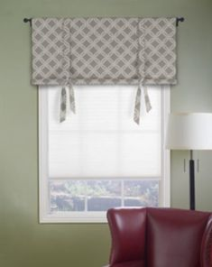 No sew DIY valance - i am thinking of converting one of the curtains from my set to this for the front living room window!