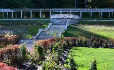 Upstate NY day trips: 10 magnificent gardens open to the public Public Garden, Private Garden, New York State Parks, New York Attractions, Agricultural Practices, Lily Garden, Tiered Garden, Day Lilies, Garden Spaces