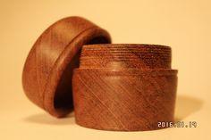 Dåse i Mahogni, med gevind Woodturning, Napkin Rings, Home Decor, Wood Turning, Decoration Home, Room Decor, Turning, Home Interior Design, Napkin Holders
