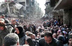 Siria. Waiting for food at UNRWA distribution point. 2014,  XXI Century.