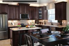 Ideas for cherry wood kitchen decor dark countertops Kitchen Cabinets Quartz Countertops, Cherry Wood Kitchen Cabinets, Cherry Wood Kitchens, Brown Kitchens, Home Kitchens, Dark Cabinets, Colored Cabinets, Kitchen Wood, Wood Cabinets