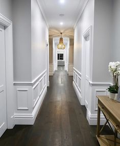 Check out these 32 design ideas for inspiration for you Hamptons style home. Hamptons is inspired by the Hamptons houses along New York's famous Coastline. Hallway Decorating, Interior Decorating, Home Room Design, House Design, Wainscoting Panels, Wainscoting Ideas, Wainscoting Dining Rooms, Wainscoting Hallway, Wall Panelling
