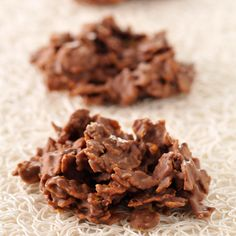 Discover our easy and quick recipe of Roses des sables au chocolat on Cuisine Actuelle! Delicious Desserts, Dessert Recipes, Yummy Food, Desserts With Biscuits, Brunch, Vegetable Drinks, French Pastries, Key Lime, Coco