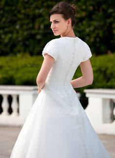 Ball-Gown V-neck Chapel Train Organza Wedding Dress With Ruffle Appliques Lace (002011578)