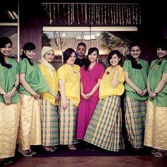 .@annisamutiaraputri   #Bajuadat #bajubodo #tradisional #makassar #Indonesia   Webstagram - the best Instagram viewer