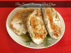 Pan Seared Rosemary Pork Chops | KitchenDreaming.com | #Pork #Herbs #Rosemary #Recipe #30minutemeals
