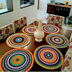 New crochet granny square dishcloth projects Ideas Crochet Mandala Pattern, Crochet Art, Crochet Round, Crochet Granny, Crochet Blanket Patterns, Crochet Crafts, Crochet Toys, Crochet Projects, Dishcloth Crochet