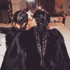 Les tresses de Kim Kardashian et North West