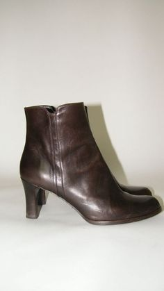 Stuart Weitzman Women's Solid Brown Leather Zip-Up Ankle Bootie Shoes SPAIN 7.5 | Clothing, Shoes & Accessories, Women's Shoes, Boots | eBay!