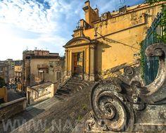 Napoli - Le scale di San Nicola da Tolentino