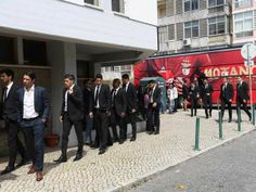 :.: Jogadores no funeral da mãe de Luís Filipe Vieira - Benfica - Jornal Record :.: