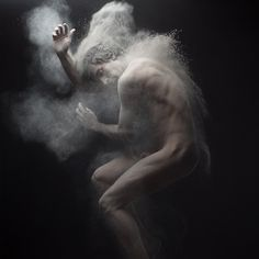Olivier Valsecchi is a photographer living and working in Paris