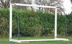 Bau und Montage Fußball-Tor