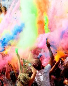 The traditional Indian Festival called Holi taking part in London. It is amazing how one culture can influence something bigger and beautiful The Color Run, Color Of Life, Color Race, Psy Art, Amedeo Modigliani, Tumblr Photography, Life Pictures, Picture Quotes, Live Life