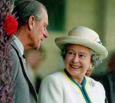 65 lovely pictures to celebrate 65th wedding anniversary of Queen Elizabeth and Prince Philip