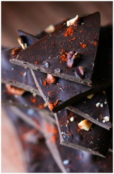 Get some heat with with your sweet in this Spicy Chocolate Chili Pepper Bark! You'll never want junky store bought again!