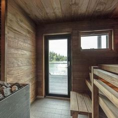 Moderni rantasauna merimaisemilla Inside A House, Tiny House, Wooden Architecture, Interior Architecture, Modern Saunas, Sauna Design, Finnish Sauna, Outdoor Spa, The Perfect Getaway
