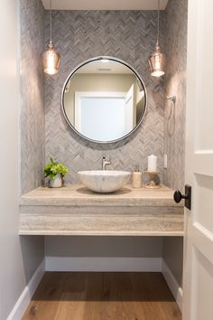 Big Style On A Small Budget: Six Trendy Guest Bathroom Ideas - - Big Style On A Small Budget: Six Trendy Guest Bathroom Ideas Bathroom Design Ideas Big Style On A Small Budget: Six Trendy Guest Bathroom Ideas Guest Toilet, Downstairs Toilet, Powder Room Design, Design Room, Lamp Design, Design Design, Guest Bathrooms, Small Bathroom, Bathroom Ideas