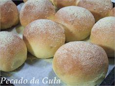 PECADO DA GULA: Broa de fubá Churros, Portuguese Recipes, Cake Boss, Carrot Cake, Bread Baking, Bread Recipes, Sweet Recipes, Biscuits, Food And Drink