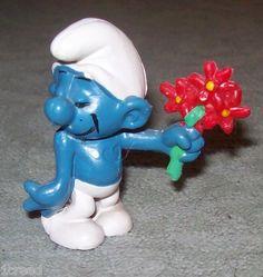 Vtg Shy Smurf Holding Red Flowers Figurine Schleich-Peyo Collectible Smurfs  $18.00